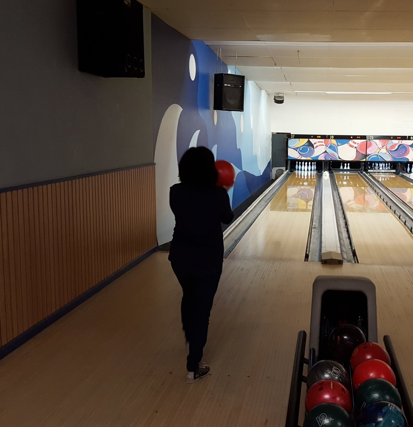 Lisa concentrating on yet another strike!