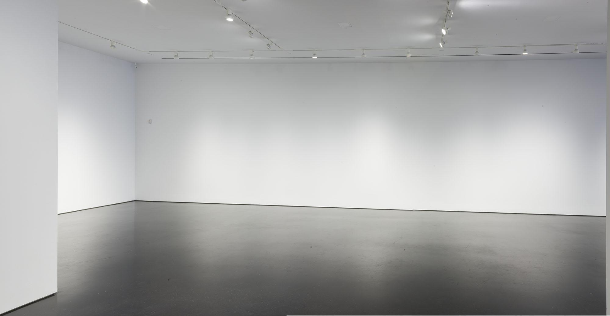976 Gallery 04.jpg