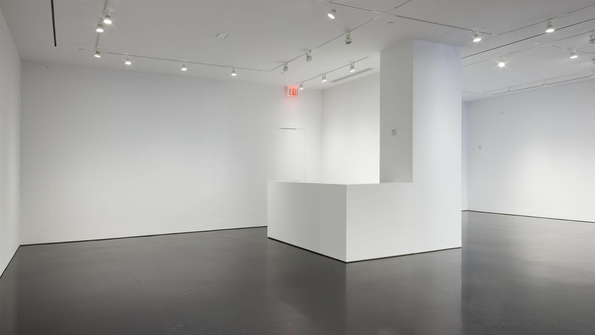 976 Gallery 02.jpg