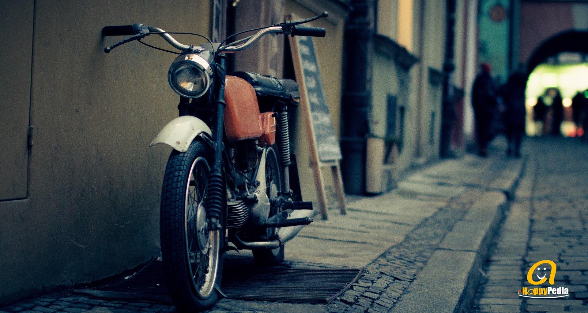 blog - street motocycle dark.jpeg