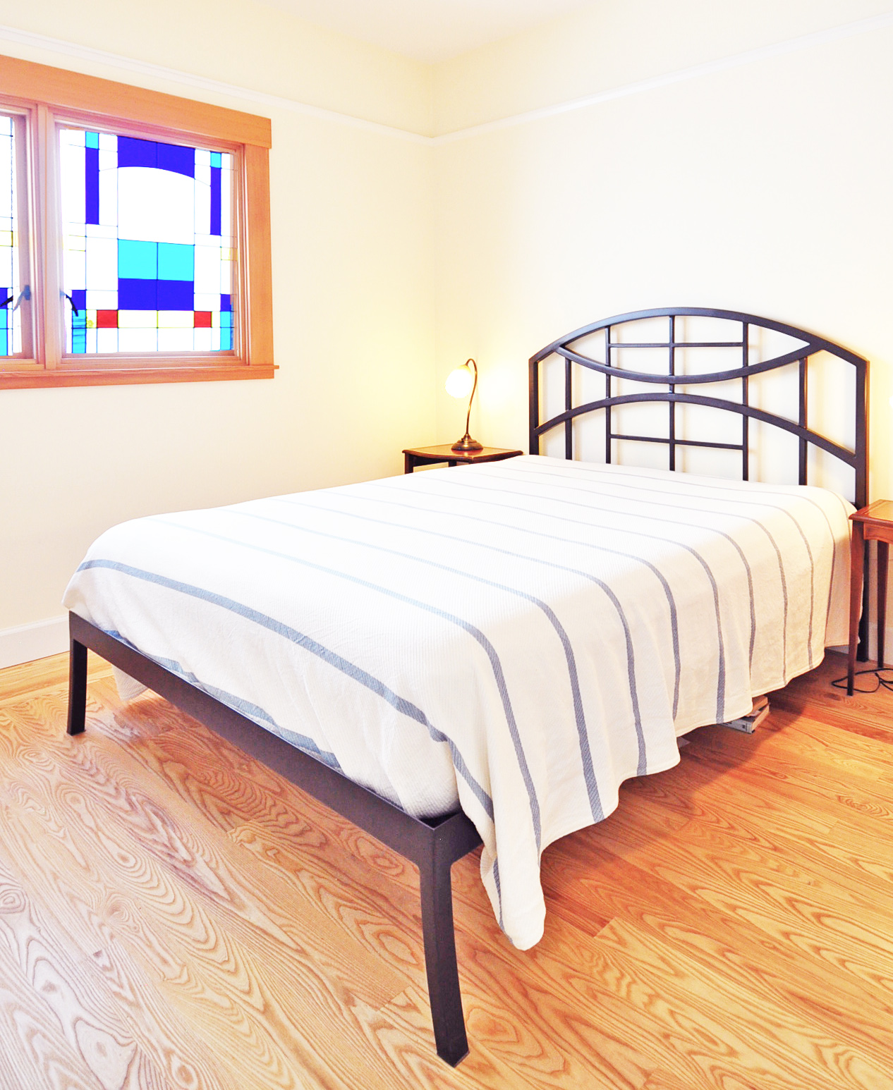 bed&glass.jpg