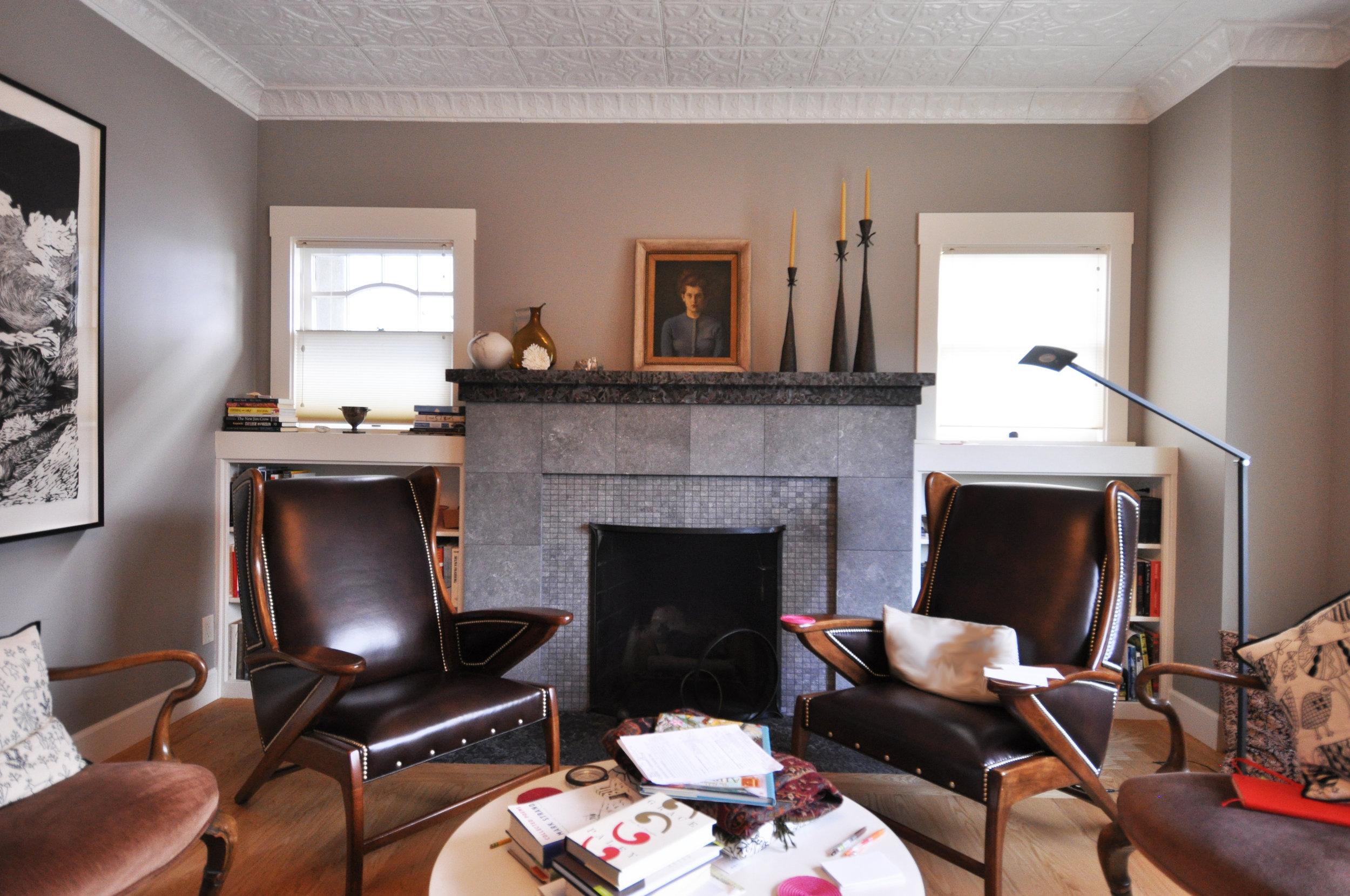 lorelei's livingroom.JPG