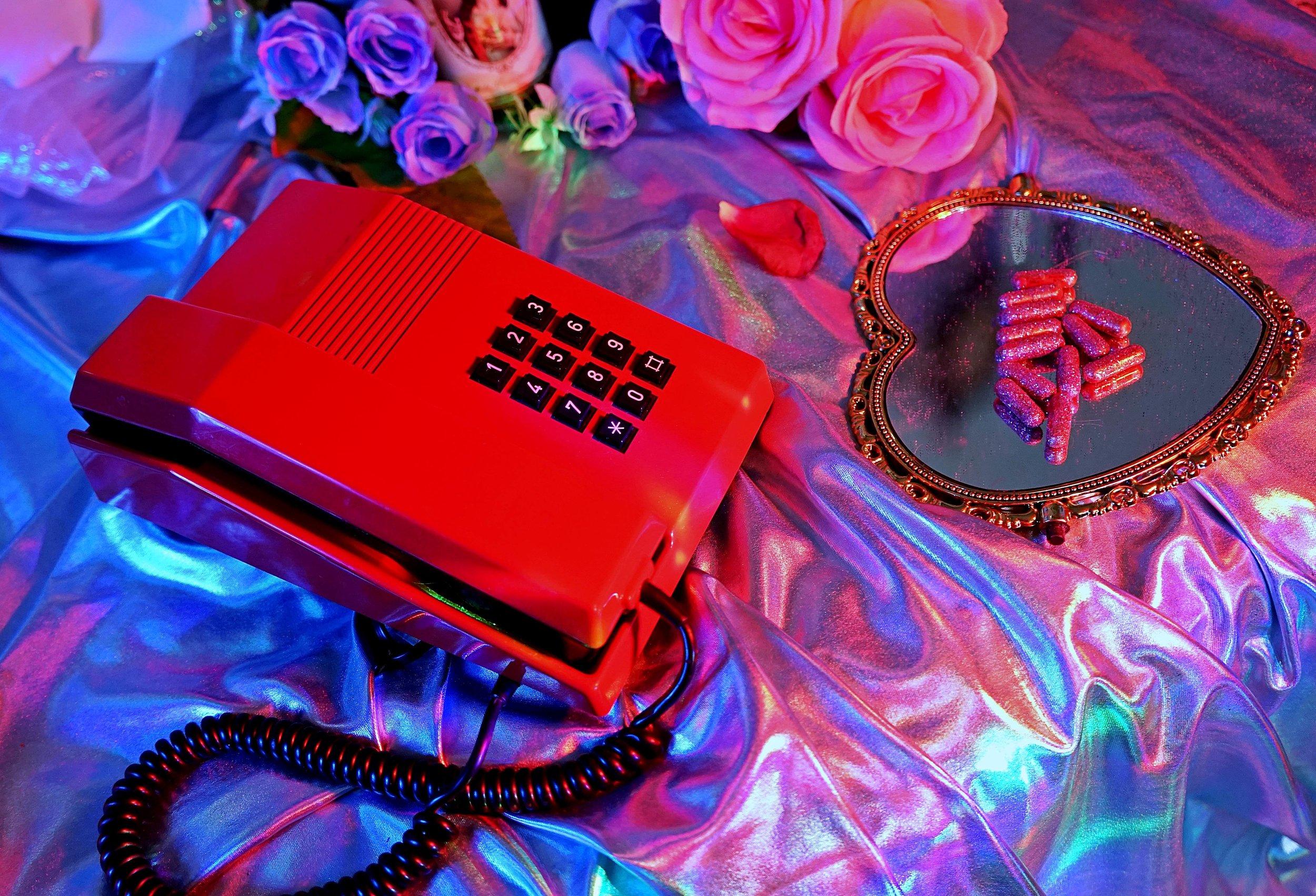 telefono rojo 1.JPG