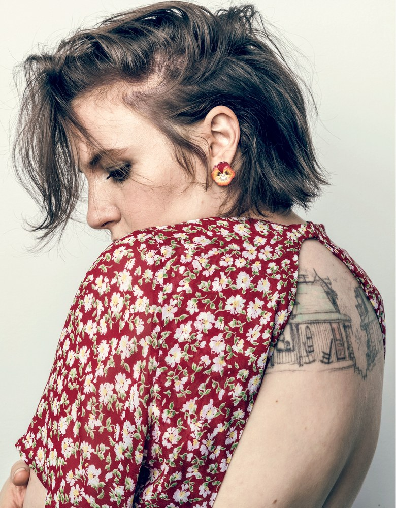 lena-dunham-vogue-march-2018.jpg