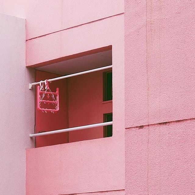 Happy Saturday! We're recharging today and that means finally getting to that pile of laundry...eek it really is spook szn. Inspo by @thomas_fung* * * #pinkthingsmag #aestheticfeed #aesthetictumblr #tumblraesthetic #aestheticallypleasing #ignant #galeria #independentphoto #imaginarymagnitude #theheavycollective #onbooooooom #oftheafternoon #myfeatureshot #ifyouleave #analoguepeople #theweekoninstagram #dreameraesthetic #london #losangeles #dreamy #kodizes #thisveryinstant