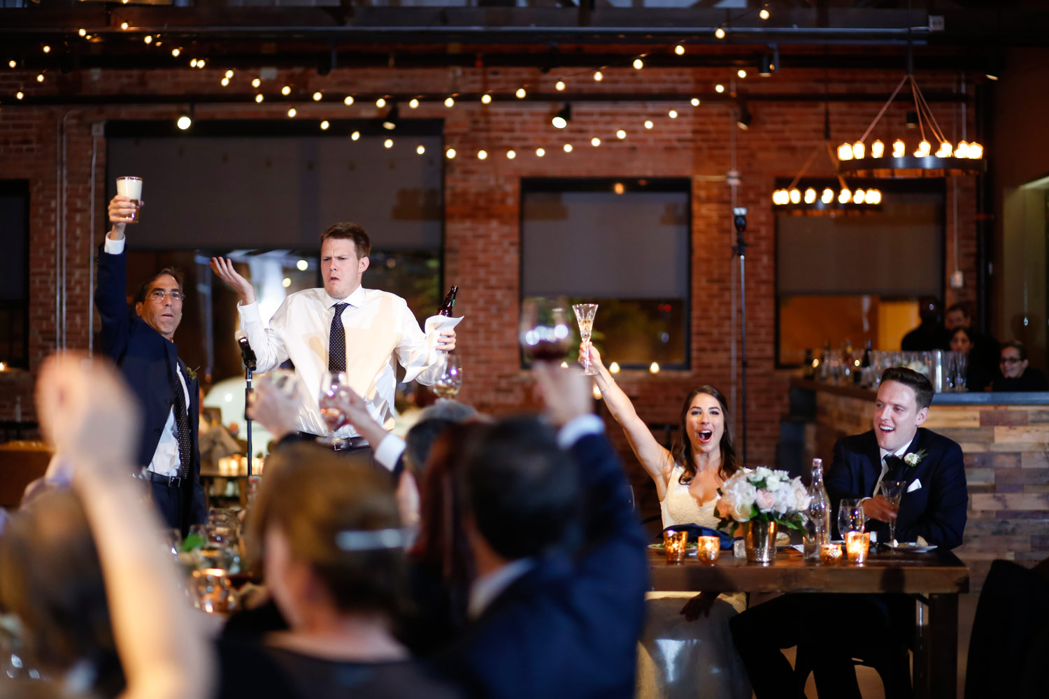 ovation-chicago-wedding-toast-speech-spotted-cow-ruthie-hauge-wedding-photography-journalistic-natural-candid-best-of-fox.jpg