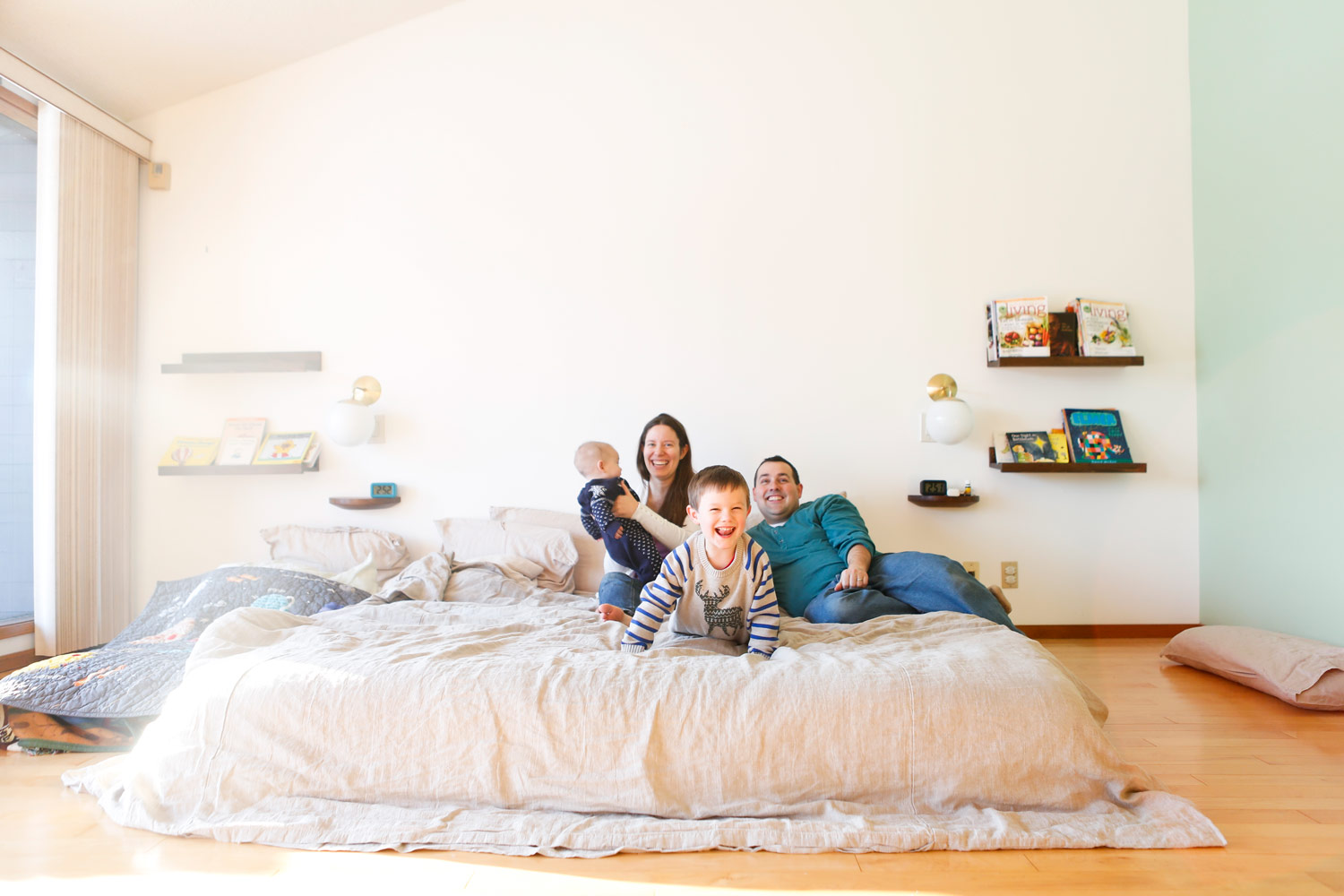 family-portrait-attachment-parenting-family-bed-barrington-ruthie-hauge-photography-natural-candid-documentary.jpg