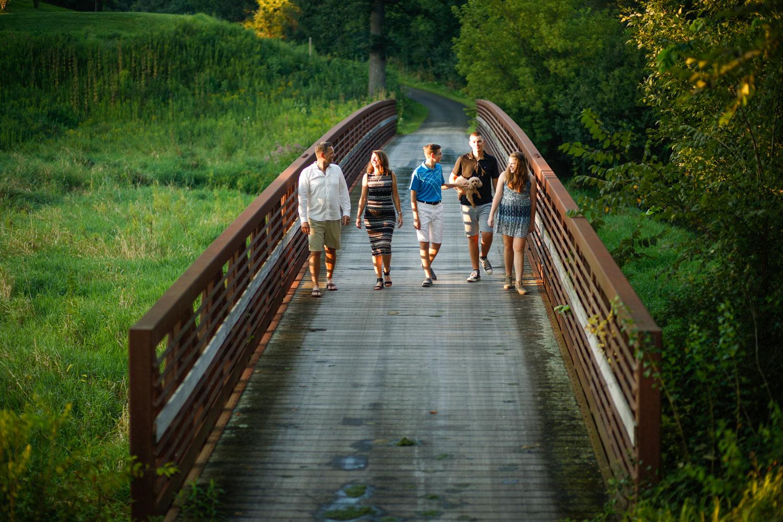 st-charles-country-club-family-portrait-fox-valley-geneva-ruthie-hauge-photography-batavia-elburn-tri-cities-candid-natural-journalistic.jpg