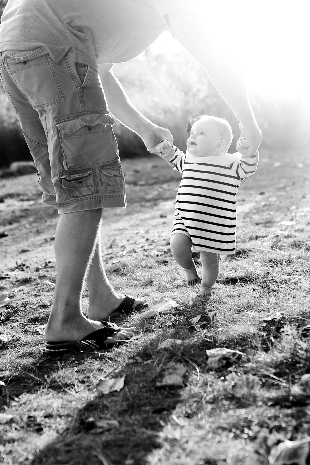 learning-to-walk-outdoor-photo-session-geneva-ruthie-hauge-photography-baby.jpg