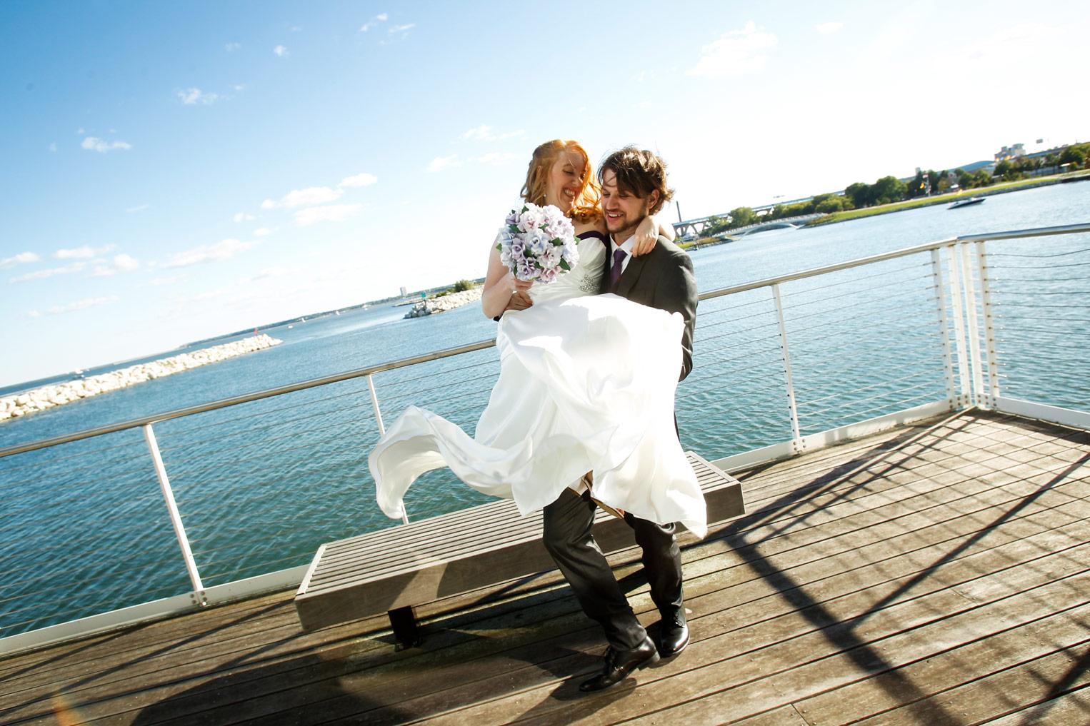 milwaukee-discovery-world-pier-wisconsin-wedding-ruthie-hauge-photography-21.jpg