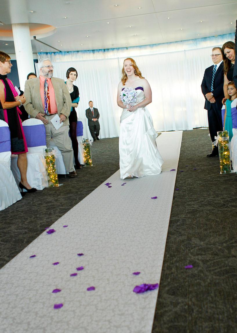 milwaukee-discovery-world-pier-wisconsin-wedding-ruthie-hauge-photography-25.jpg