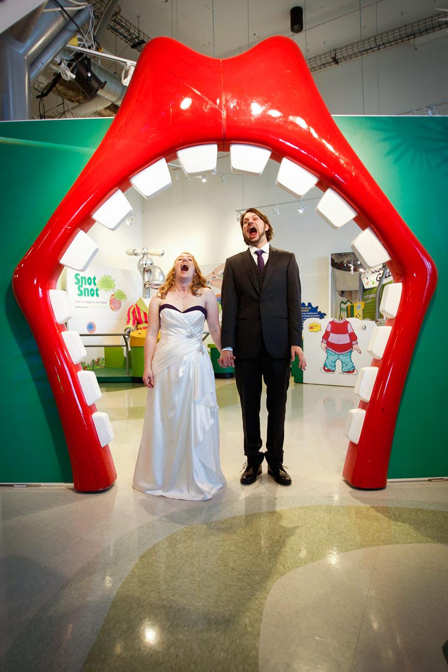 milwaukee-discovery-world-pier-wisconsin-wedding-ruthie-hauge-photography-42.jpg