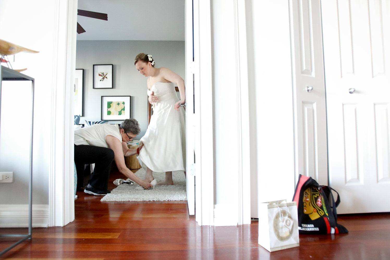 revolution-brewing-chicago-blackhawks-wedding-ruthie-hauge-photography-11.jpg