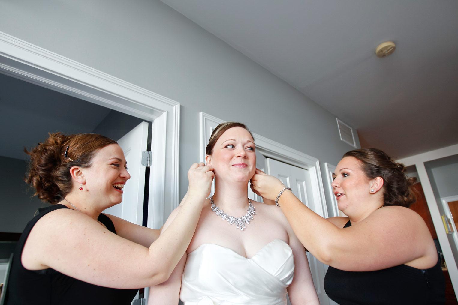 revolution-brewing-chicago-blackhawks-wedding-ruthie-hauge-photography-15.jpg