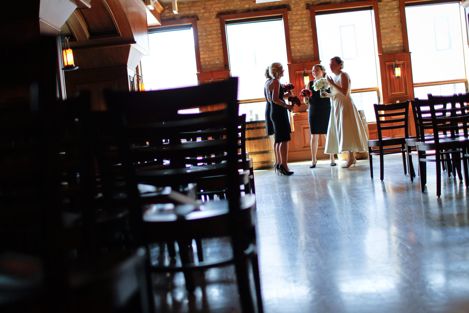 revolution-brewing-chicago-blackhawks-wedding-ruthie-hauge-photography-24.jpg
