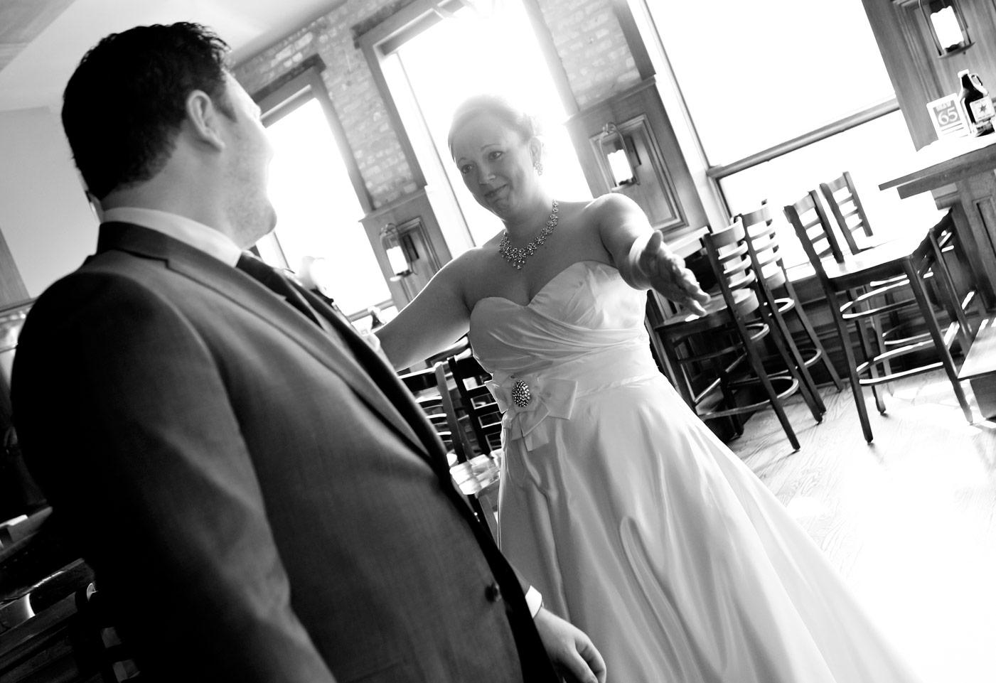 revolution-brewing-chicago-blackhawks-wedding-ruthie-hauge-photography-30.jpg