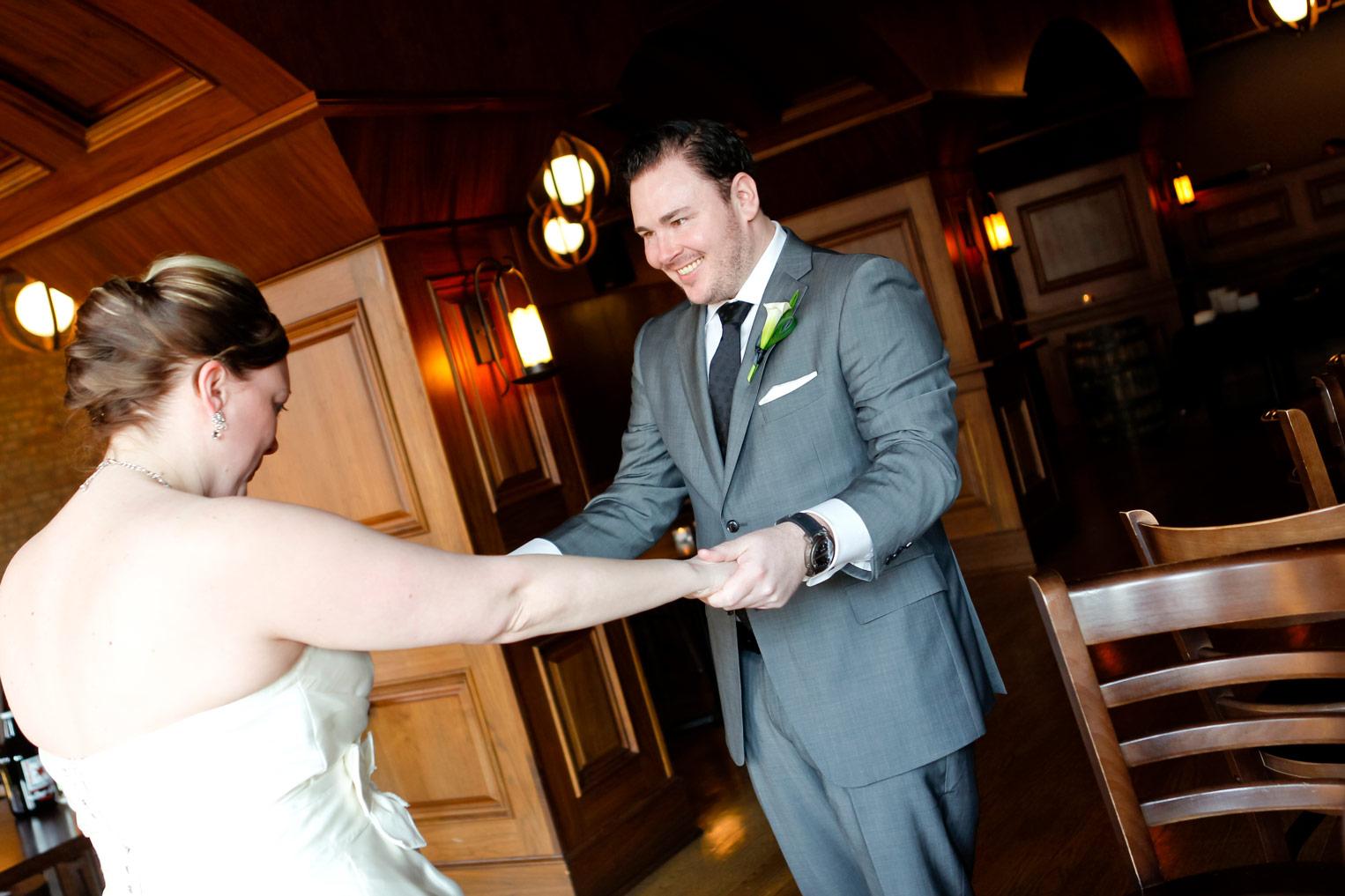 revolution-brewing-chicago-blackhawks-wedding-ruthie-hauge-photography-33.jpg