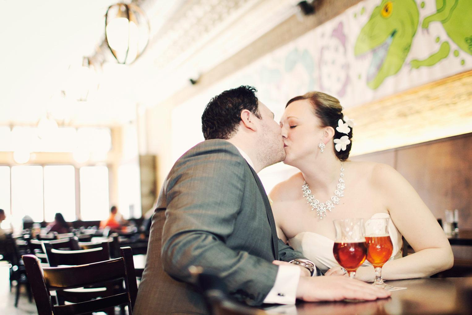 revolution-brewing-chicago-blackhawks-wedding-ruthie-hauge-photography-54.jpg
