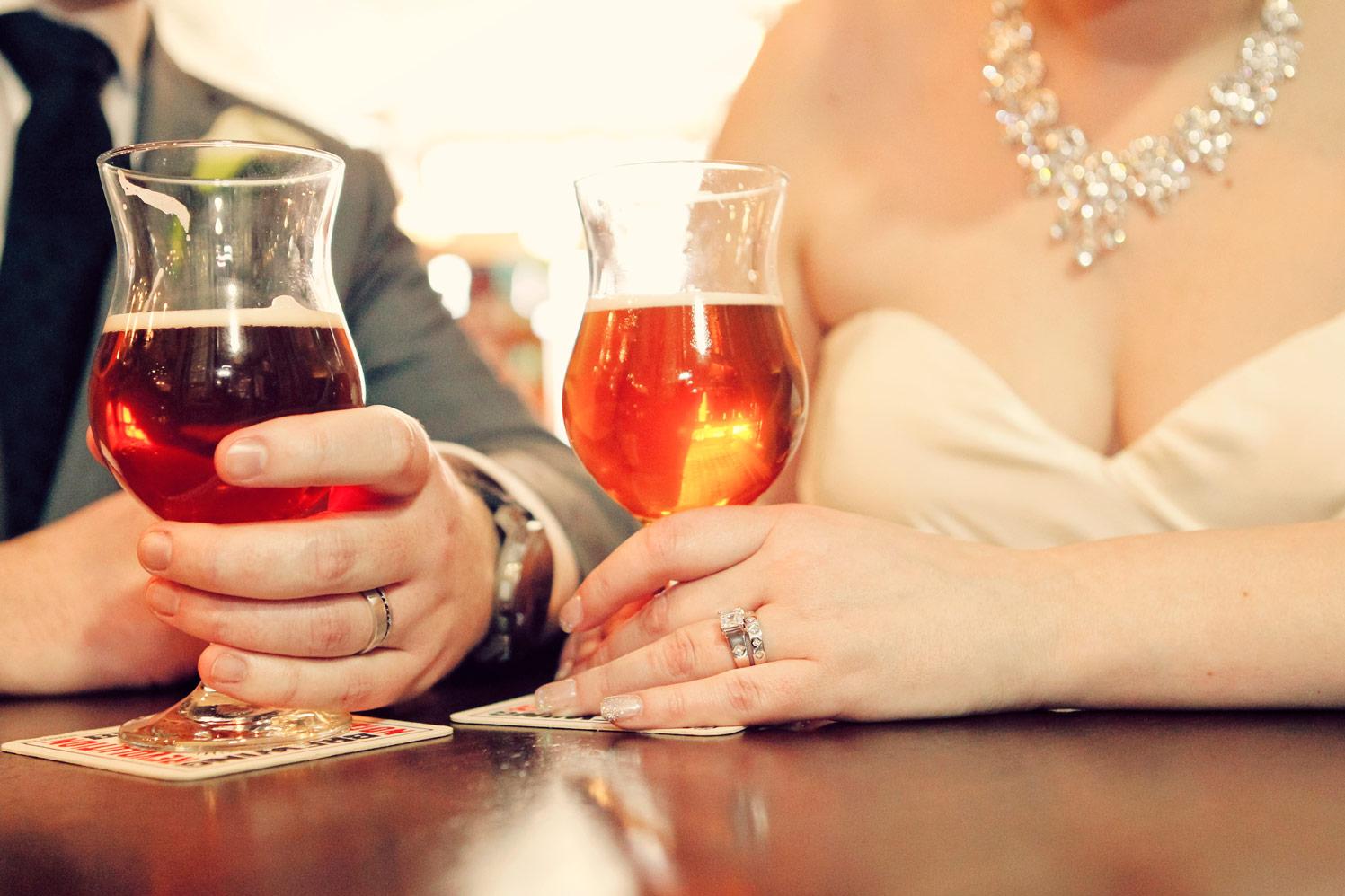 revolution-brewing-chicago-blackhawks-wedding-ruthie-hauge-photography-55.jpg