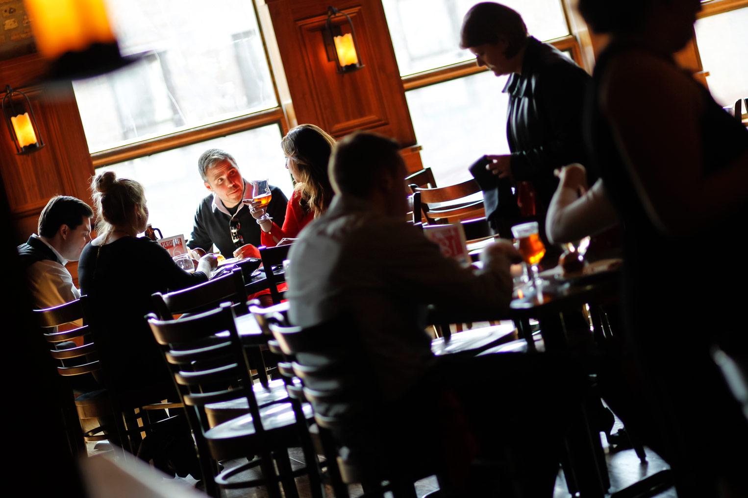 revolution-brewing-chicago-blackhawks-wedding-ruthie-hauge-photography-56.jpg