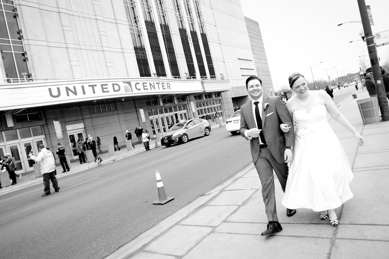 revolution-brewing-chicago-blackhawks-wedding-ruthie-hauge-photography-64.jpg