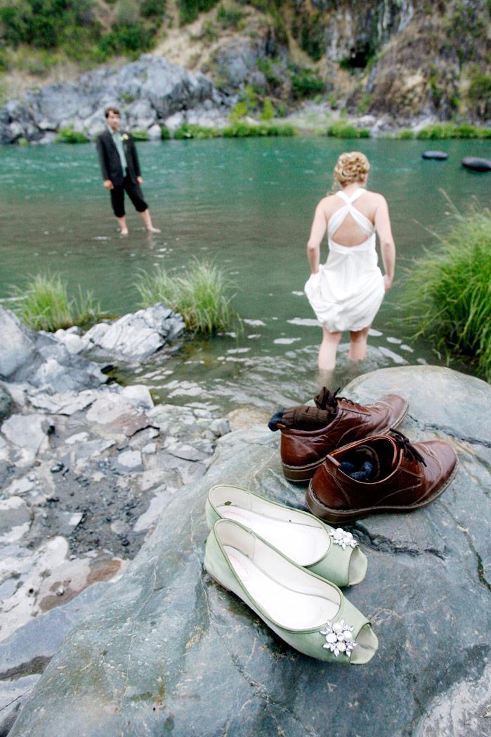 rustic-outdoor-trinity-river-wedding-ruthie-hauge-photography-40.jpg
