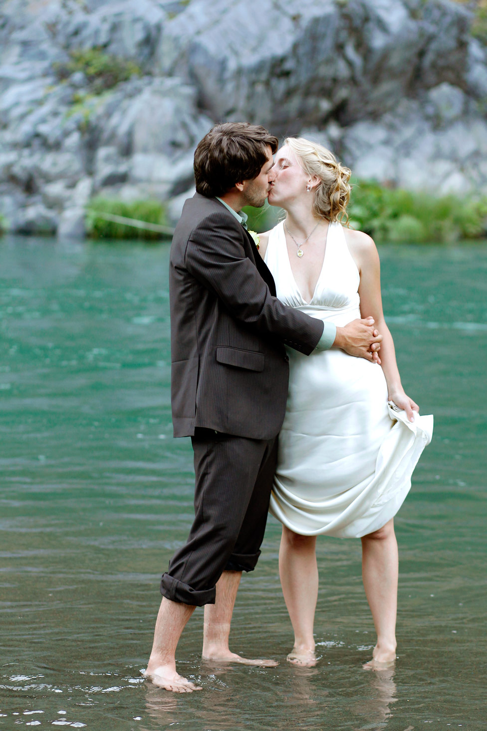rustic-outdoor-trinity-river-wedding-ruthie-hauge-photography-41.jpg