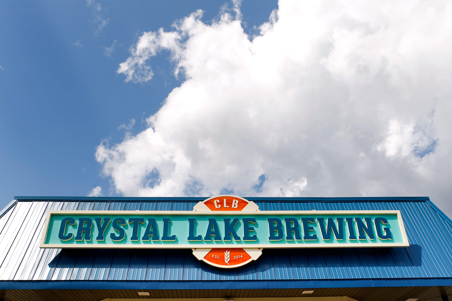crystal-lake-brewing-marketing-promotional-photography-ruthie-hauge-brewery-madison-wi01.jpg