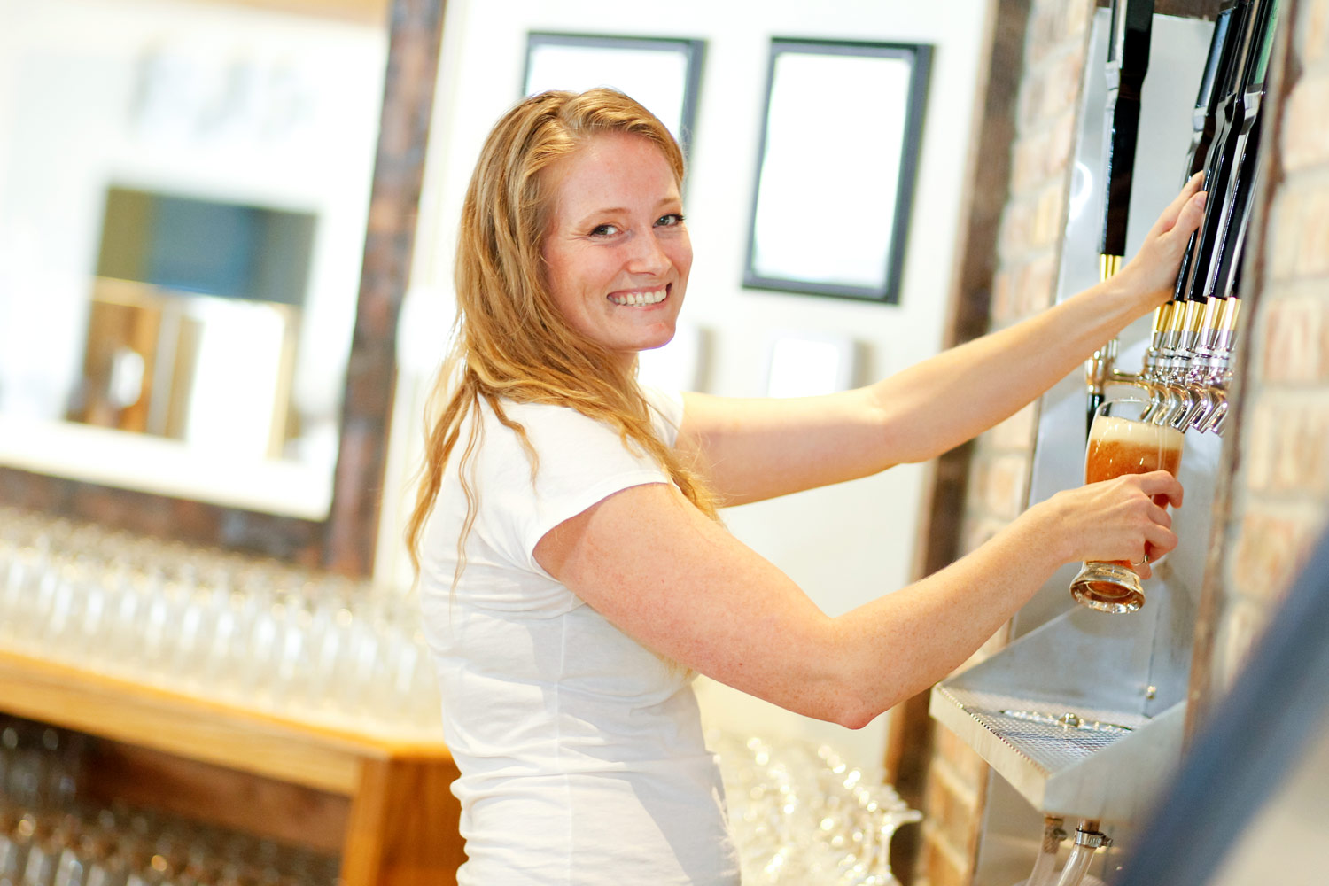 crystal-lake-brewing-marketing-promotional-photography-ruthie-hauge-brewery-madison-wi15.jpg