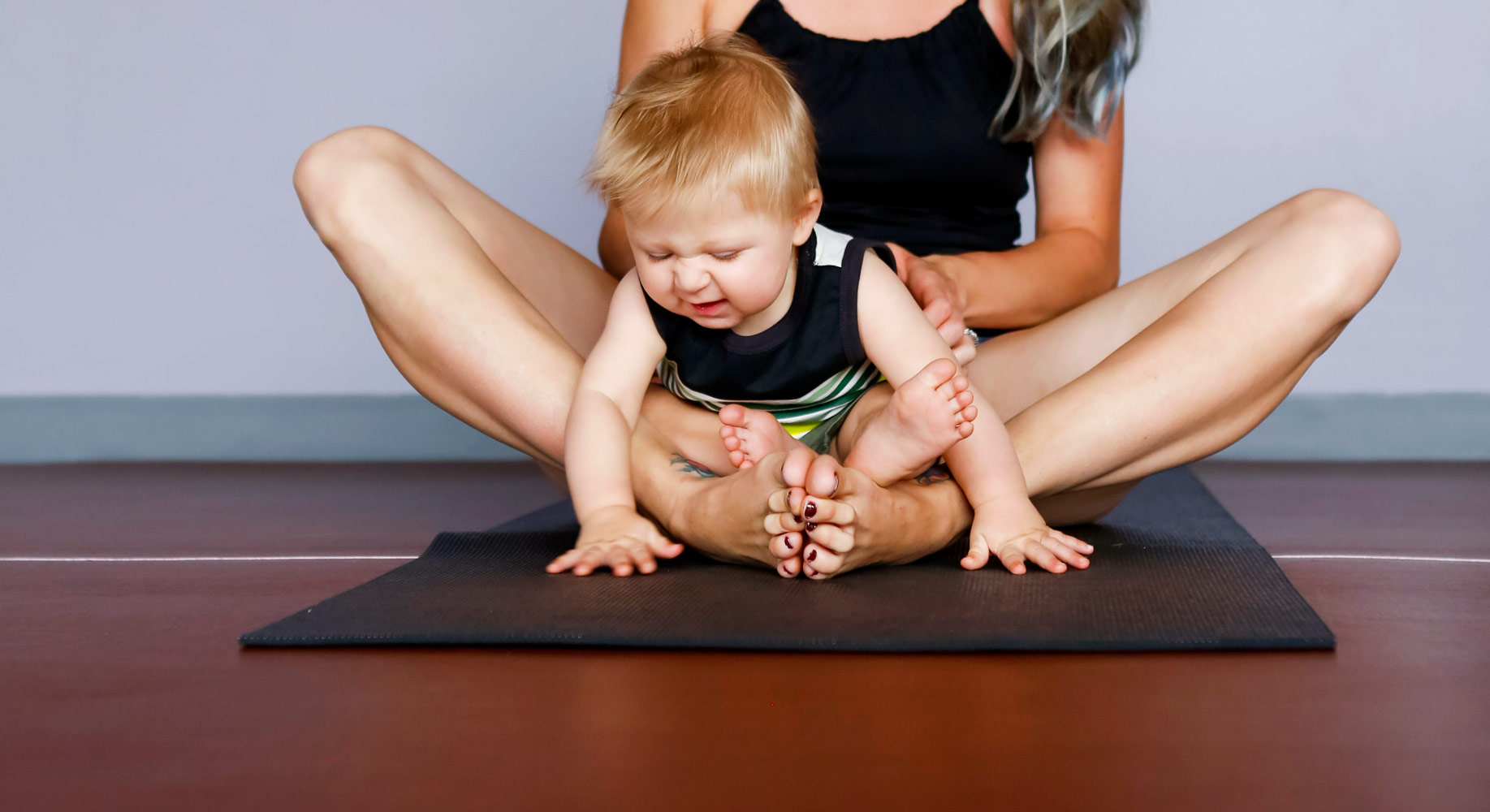 ohmmother-yoga-marketing-commercial-promotional-ruthie-hauge-photography-madison-wi-30.jpg