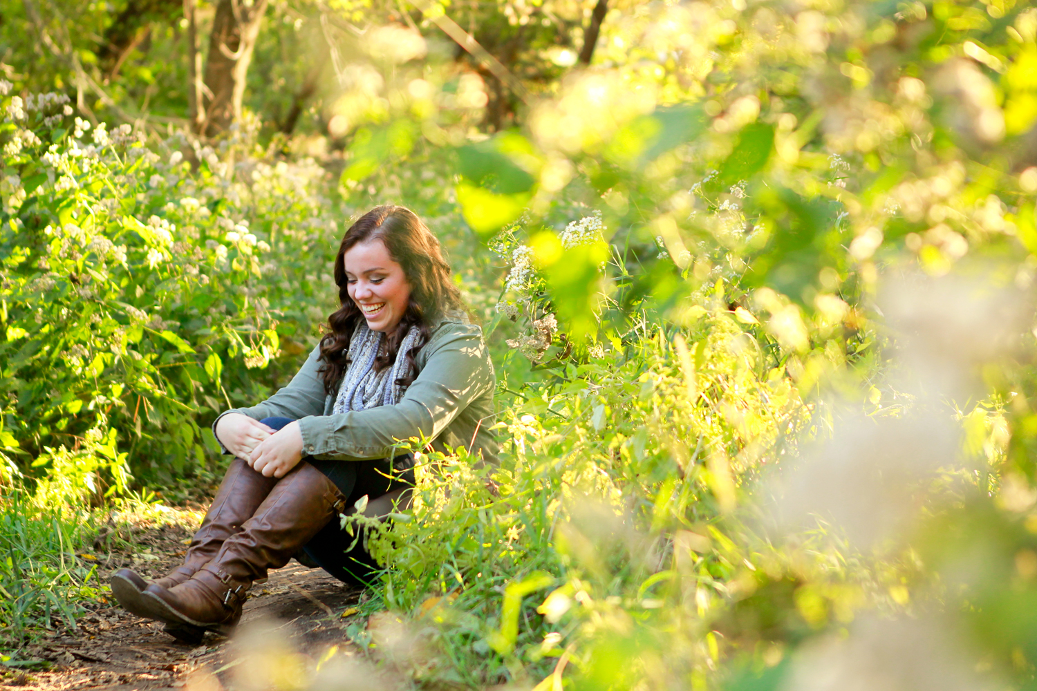 outdoor-nature-hiking-senior-portrait-session-madison-wi-ruthie-hauge-photography.jpg