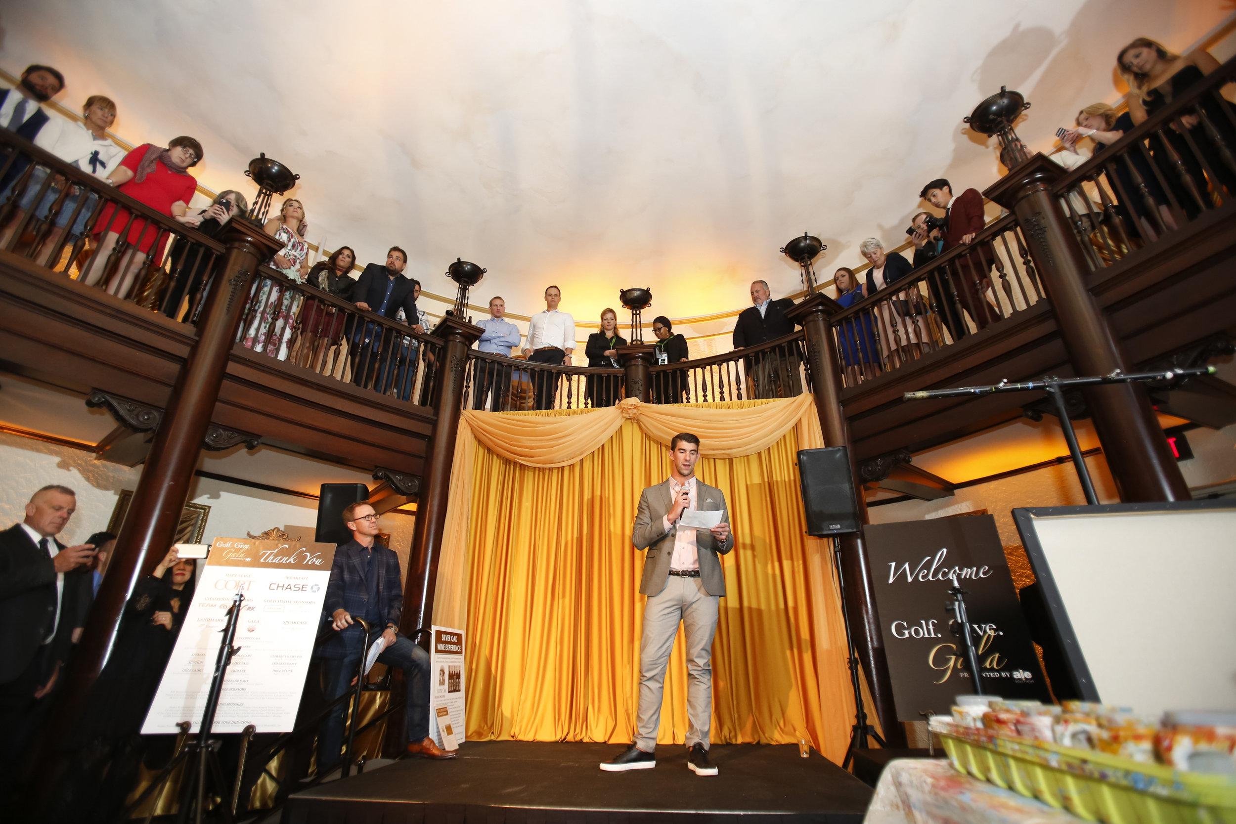 golf-give-gala-celebrity-michael-phelps-jason-day-event-photographer-madison-wi-7.jpg