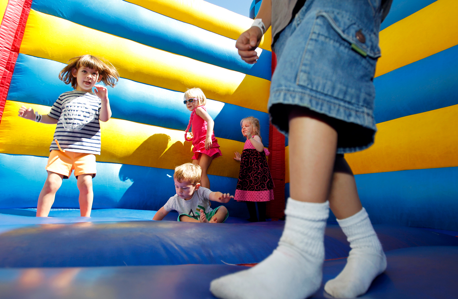bounce-house-family-fest-carnival-event-photographer-madison-wi-ruthie-hauge-photography.jpg