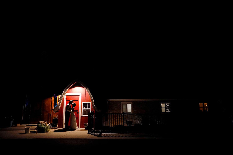 vennebu-hill-wisconsin-dells-wedding-barn-madison-wi-photographer-ruthie-hauge-photography-lake-delton-baraboo-night.jpg
