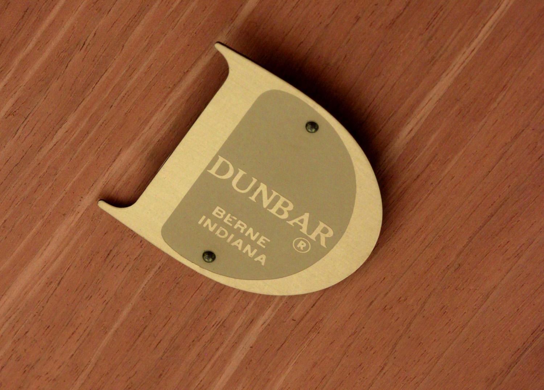 Dunbar 120 #291 drk mahg+walnut diningtable140 detail1 hires.jpg