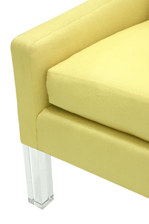 70's 120 lucite legs sofa88 detail4 hires.jpg