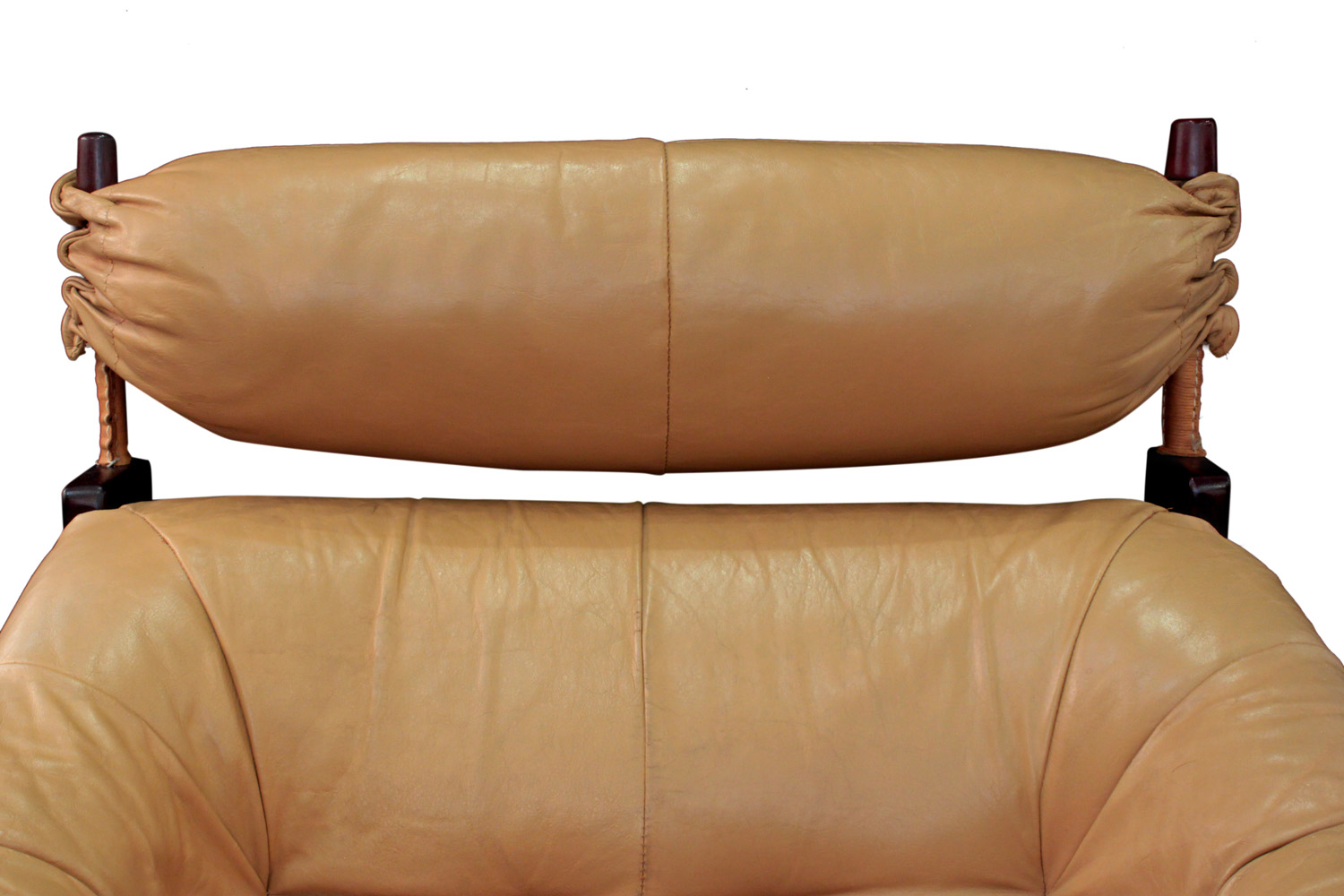 Lafter 45 rosewood+leather seat loungechair89 detail3 hires.jpg