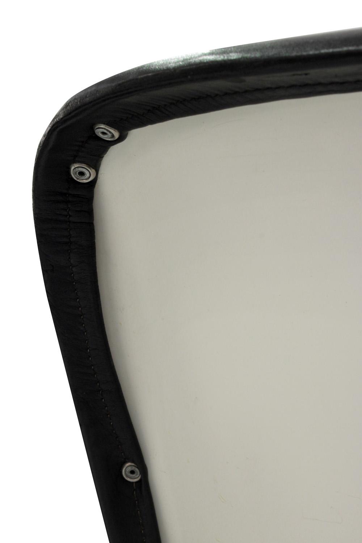 Kukkapuro 65 blk leather+white ba loungechairs107 detail7 hires.jpg