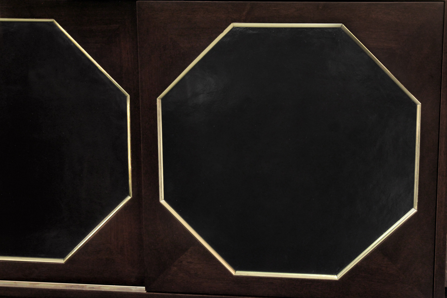 Probber 95 2dr w6sides leather cabinet42 detail5 hires.jpg