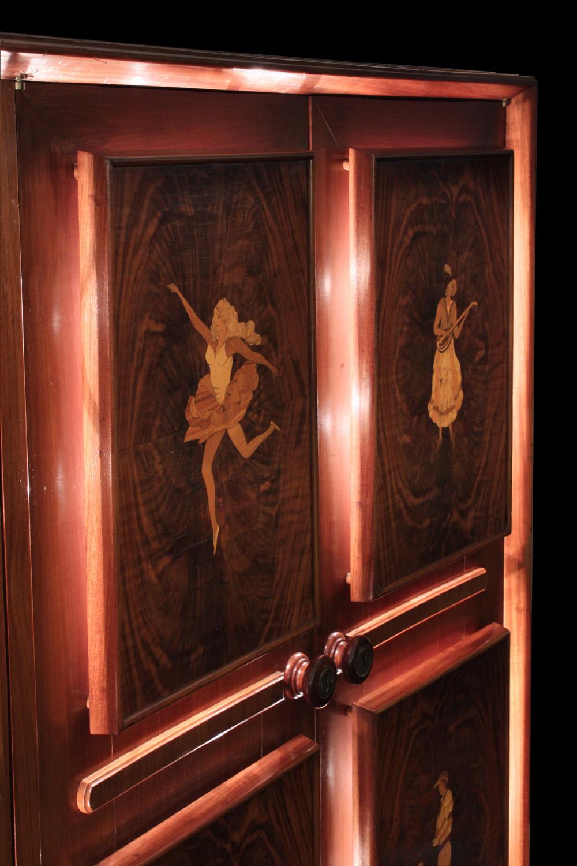 Diez 150 inlay 4 door backlit cabinet3 detail4 hires.jpg