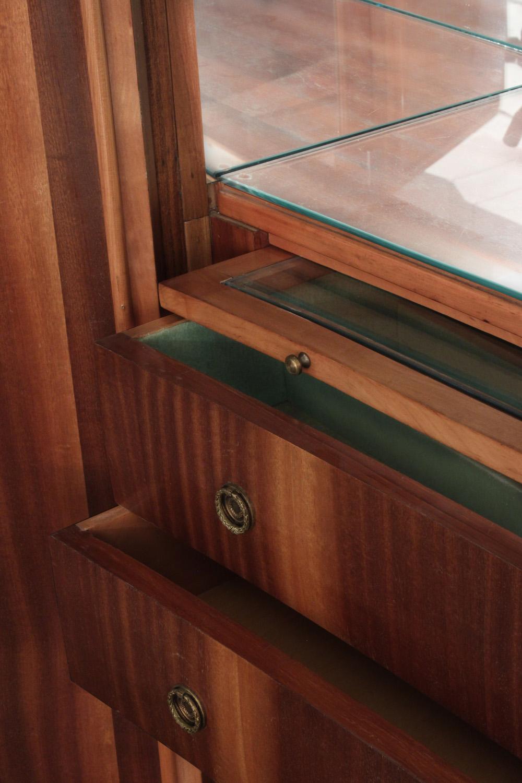 Diez 150 inlay 4 door backlit cabinet3 detail5 hires.jpg