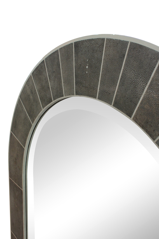 Springer 150 shagreenbone arc mirror35 detail1 hires.jpg