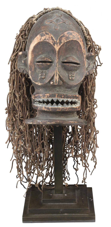 Springer 38 African mask Ekoi sculpture96 detail1 hires.jpg