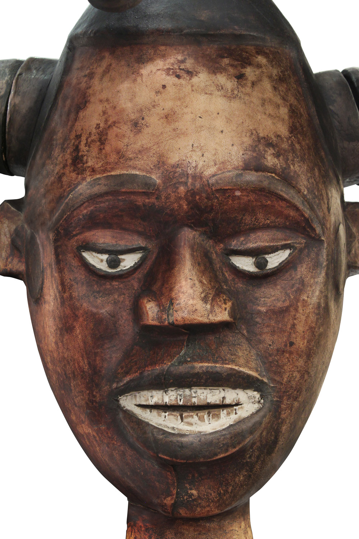 Springer 38 African Medusa sculpture98 detail5 hires.jpg