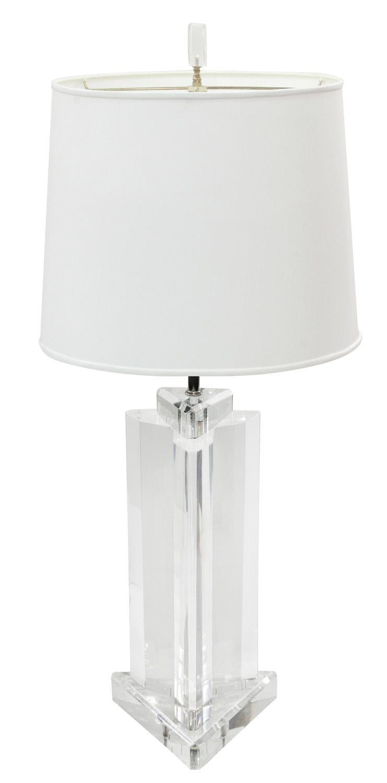 Prismatique 45 3edge lucite block tablelamp209 hires.jpg