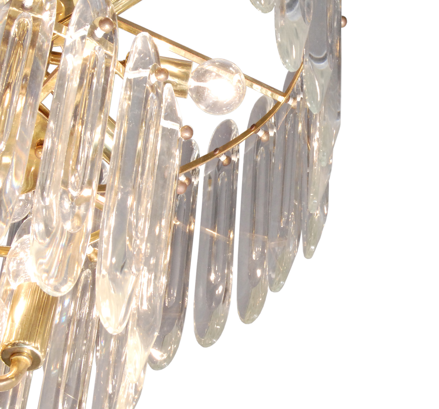 Sciolari 40 big clear crystals chandelier153 detail2 hires.jpg