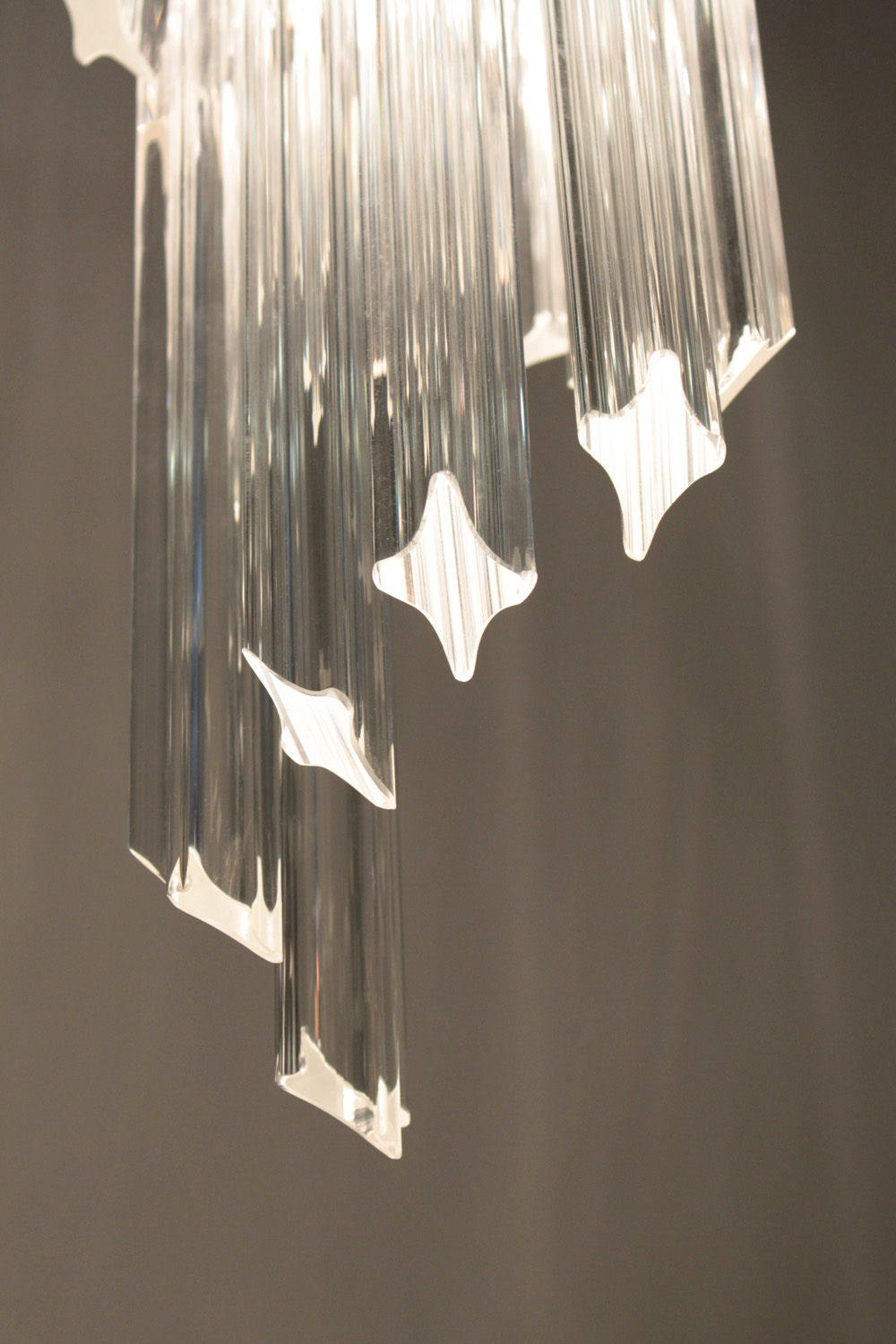 Venini 65 medium spiral glas rods chandelier detail hires.jpg