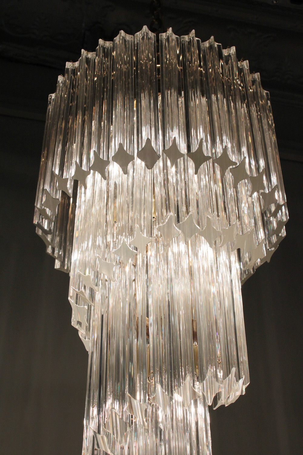 Venini 65 medium spiral glas rods chandelier top hires.jpg