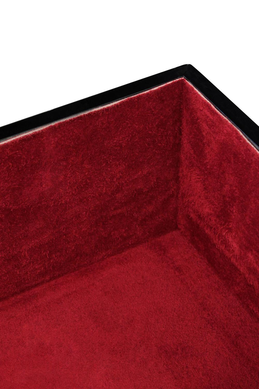 Springer 35 burg diamond goatskin accessory125 detail2 hires.jpg