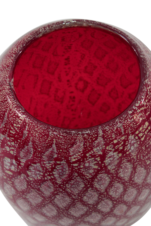 Radi 60 red geometric goldfoil radi1 detail3 hires.jpg